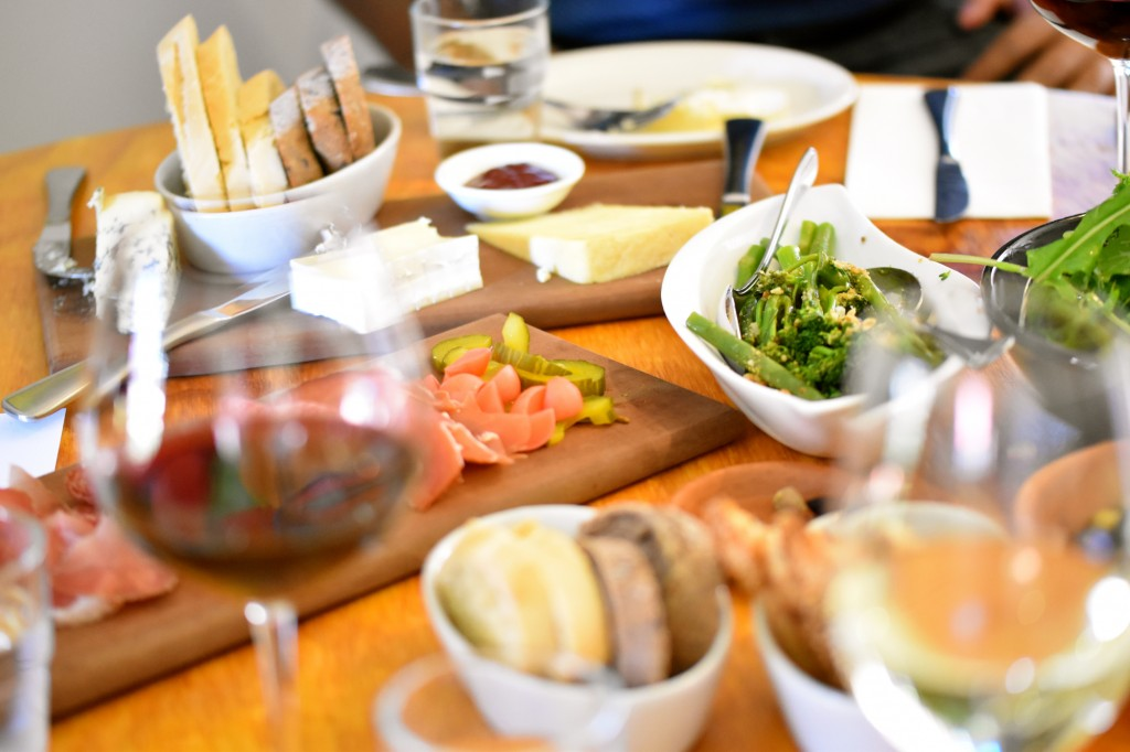 Awesome fresh Tasmanian Produce washed down with your favourite Clemens Hill Wine